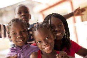 Nenos acollidos na organización FAP